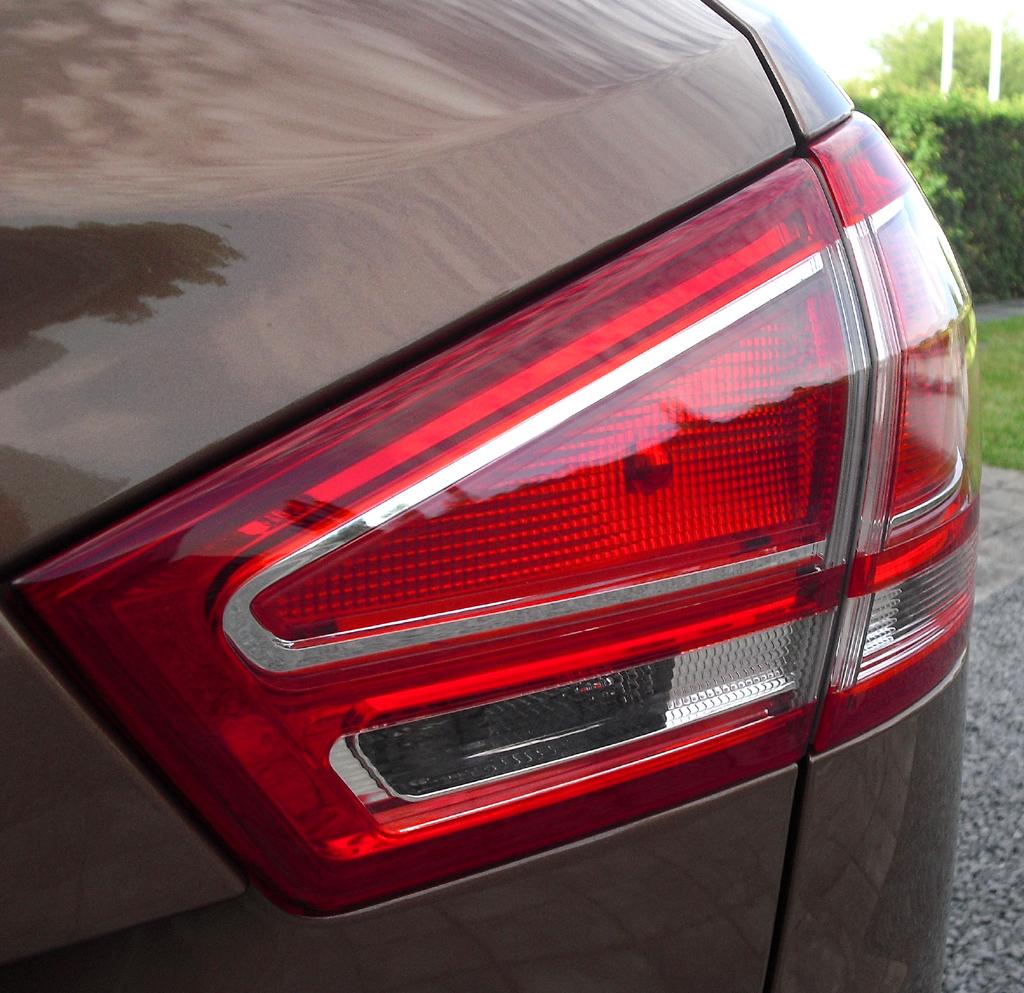 Ford B-Max: Moderne Leuchteinheit hinten.