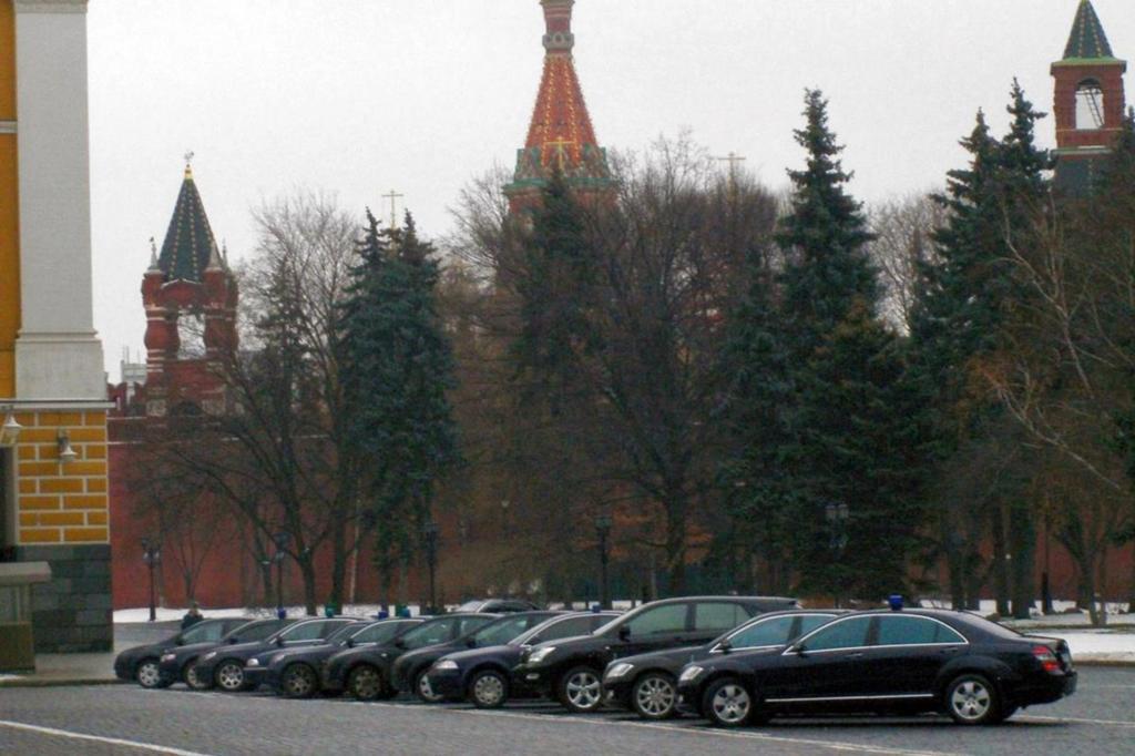 In der Gegend des Roten Platzes ist die Luxus-Dichte hoch