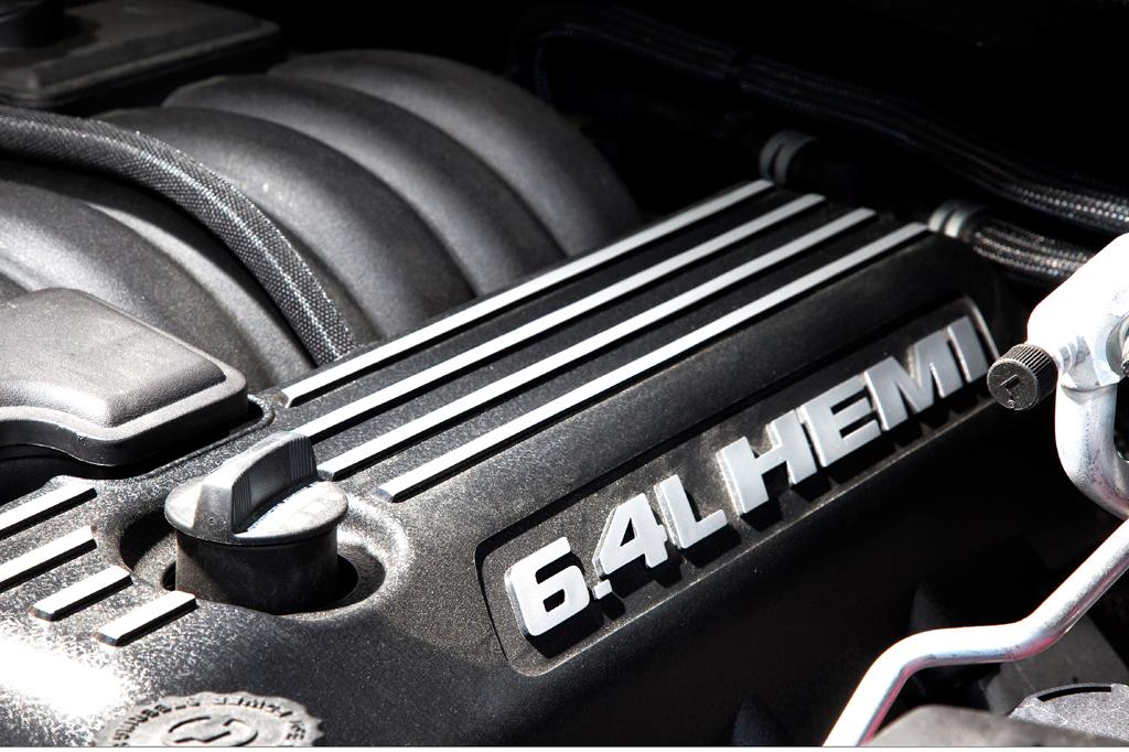 Jeep Grand Cherokee SRT: ... auf den 6,4-Liter-Achtzylinder mit 344/468 kW/PS.