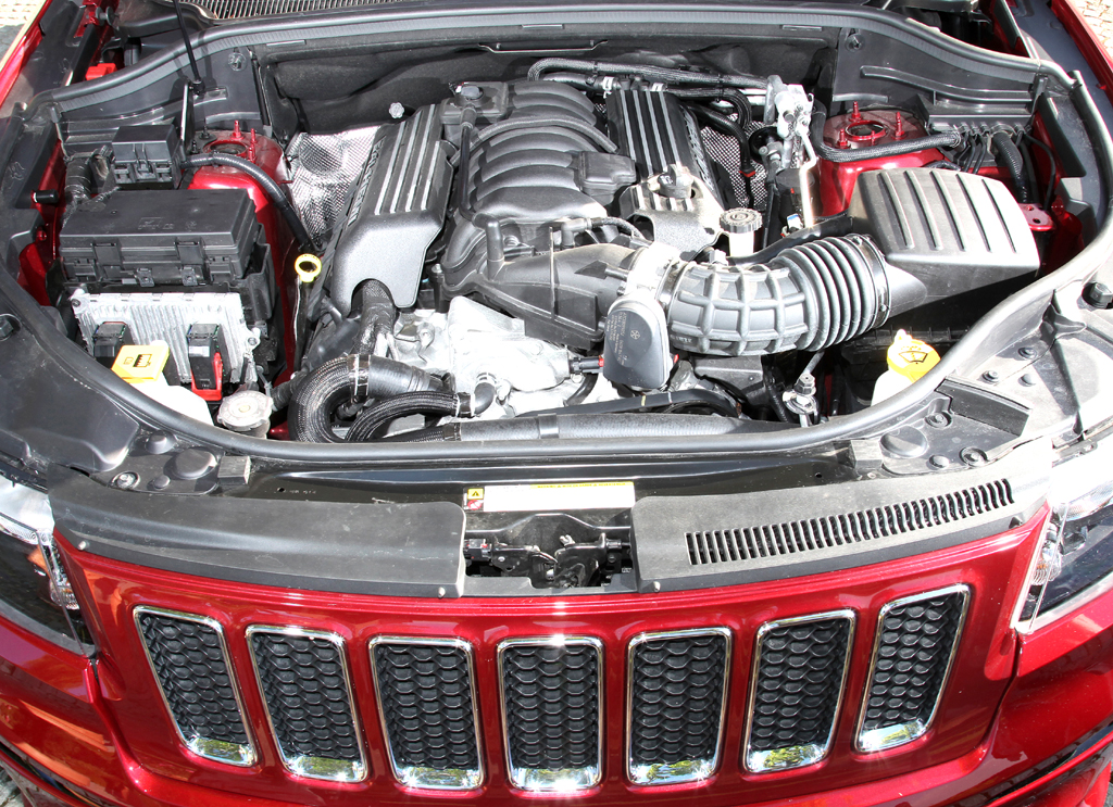 Jeep Grand Cherokee SRT: Blick unter die Haube ...