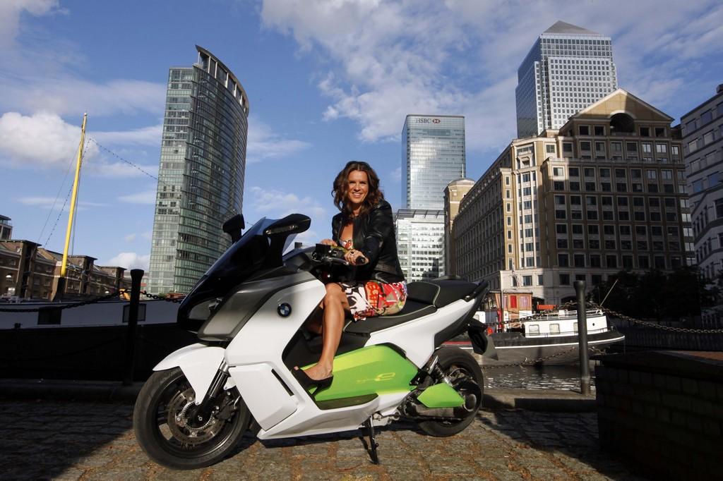 Katharina Witt gefällt der BMW C evolution