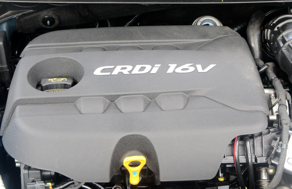 Kia Cee'd: Blick unter die Haube auf den 94/128 kW/PS starken 1,6-Liter-Selbstzünder.