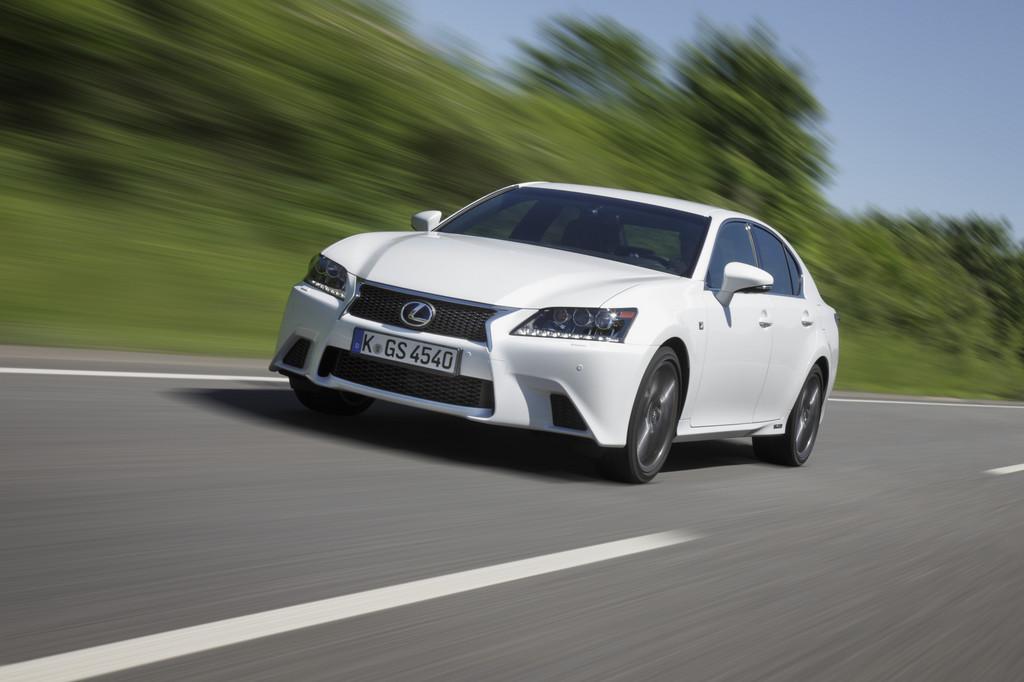 Lexus GS 450h gewinnt Vergleichstest