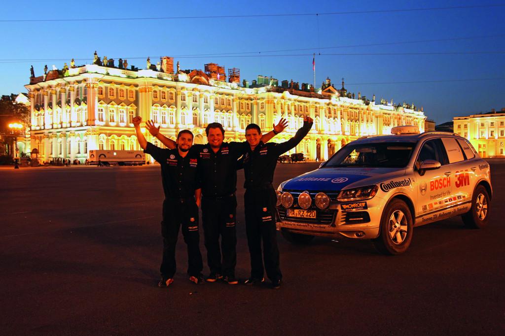 Mit dem VW Touareg in Rekordzeit von Melbourne nach St. Petersburg