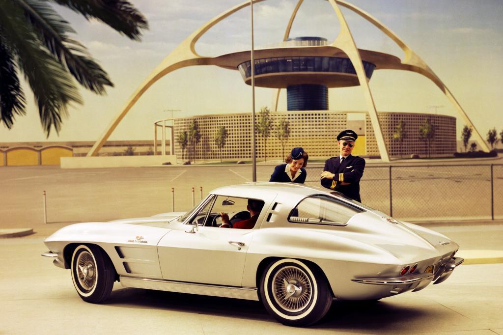 Mit der zweiten Generation hat sich die Corvette zum echten Sportwagen gewandelt