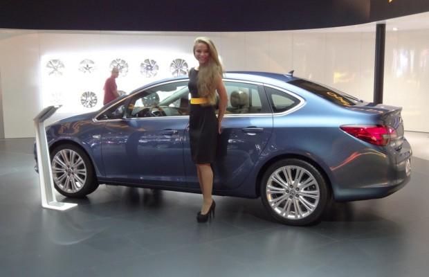 Moskau 2012: Opel stellt erstmals den viertürigen Astra vor