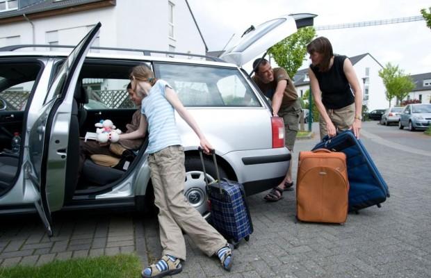 Nach der Urlaubsfahrt Auto vom Ballast befreien