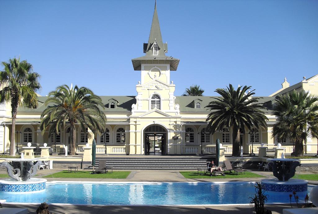 Preise ab unter 200 Euro: Swakopmund-Hotel im restaurierten Bahnhof.