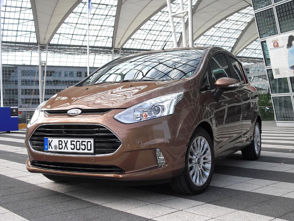 Rundet die Van-Palette nach unten ab: Fords neuer B-Max.