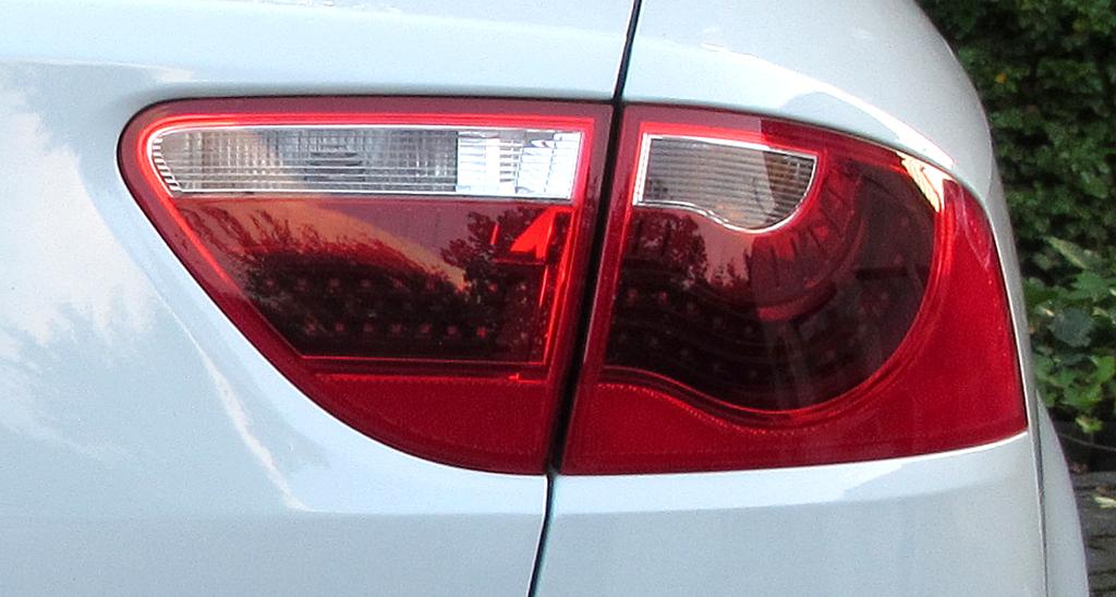 Seat Exeo: Großformatige Leuchteinheit hinten.