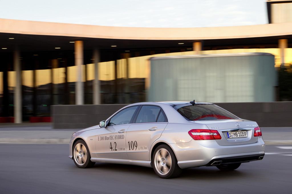 Umweltzertifikat für Mercedes-Benz E 300 Blue Tec Hybrid