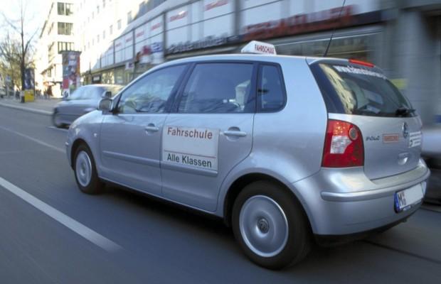 Vergessliche Autofahrer - Fahrschulwissen schnell verschüttet