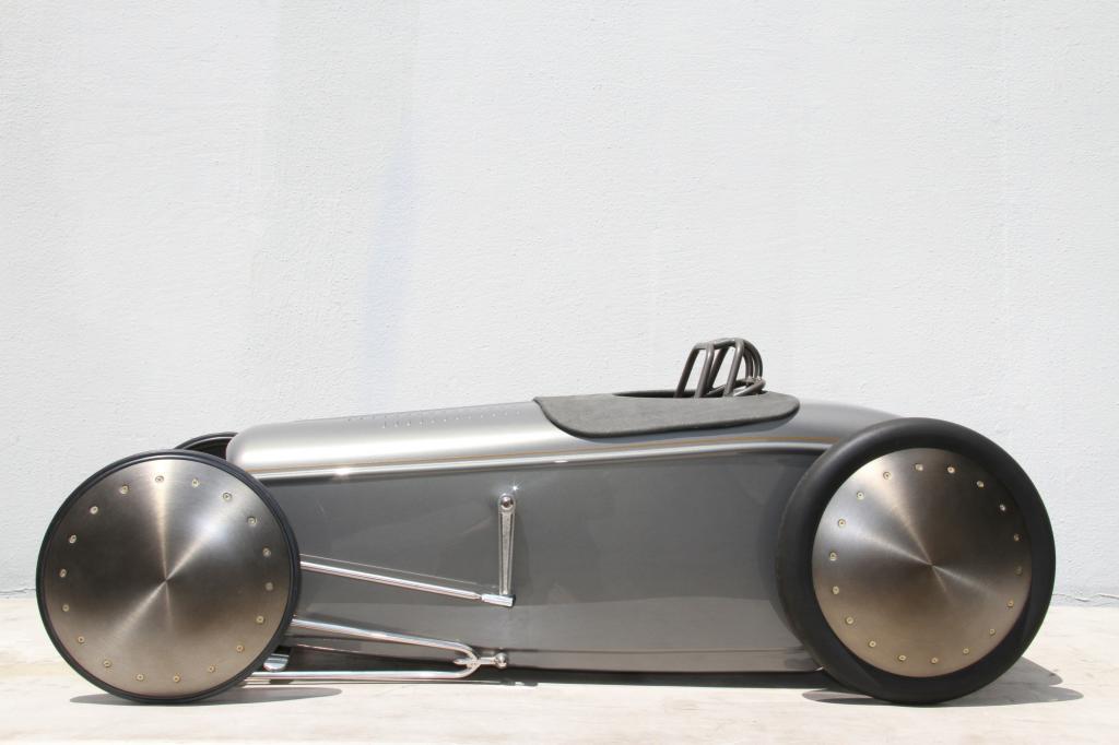 Vorbild für das Tretauto ist der 32er Ford Roadster