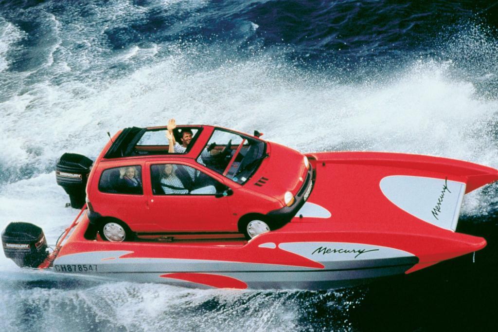 Über 2.500 Messebesucher bestellten den niedlichen Renault noch auf dem Premierenpodium des Pariser Salons