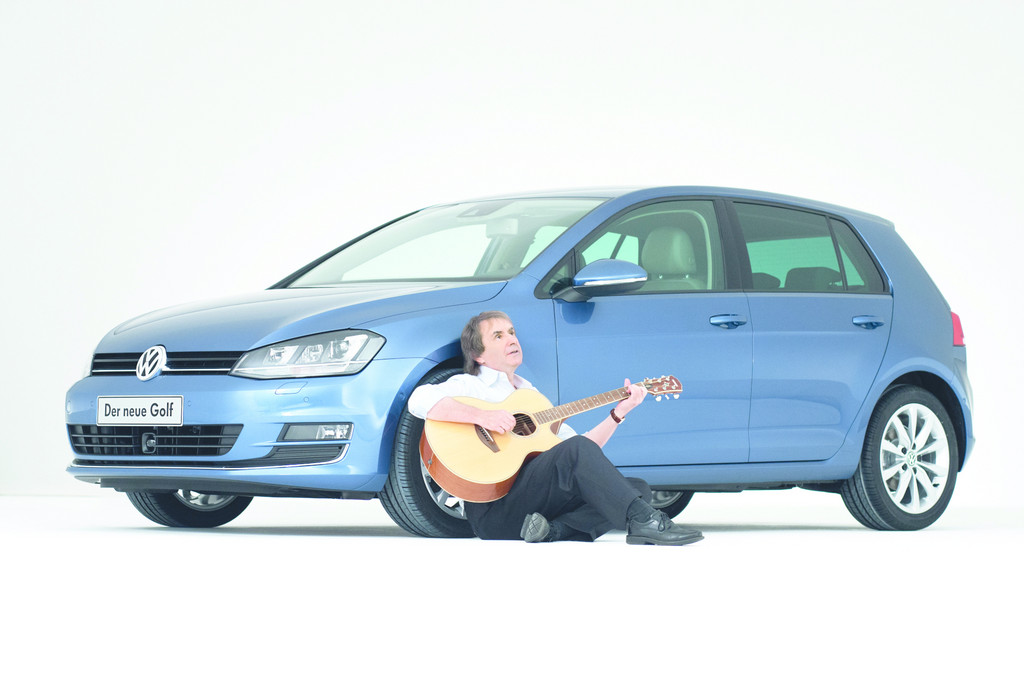 Chris de Burgh und seine Tochter testen den neuen VW Golf