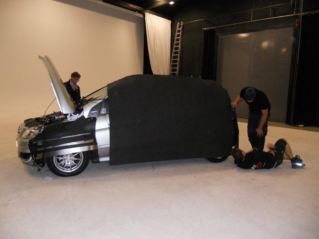Die Mercedes-Benz B-Klasse F-Cell wird unsichtbar