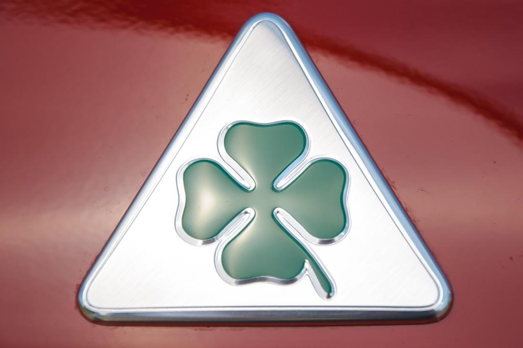 Die sportlichsten Modelle von Alfa Romeo tragen traditionell ein grünes Kleeblatt