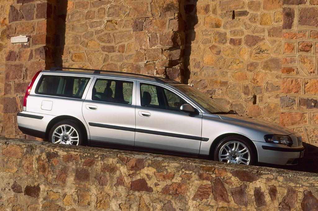 Die zweite Generation des V70 gab es nur als Kombi, die Limousine wurde beim Modellwechsel eingestellt