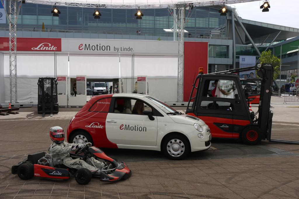 Einen Elektroantrieb für Autos zum Nachrüsten bietet künftig Linde Material Handling an