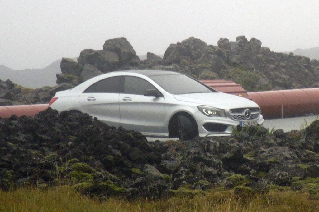 Erwischt: Mercedes CLA – Heißes Shooting auf Island