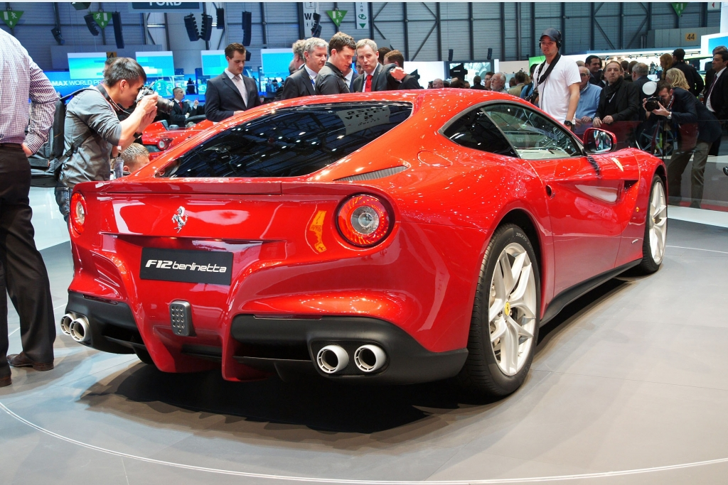 Ferrari F12berlinetta - Schnella Macchina