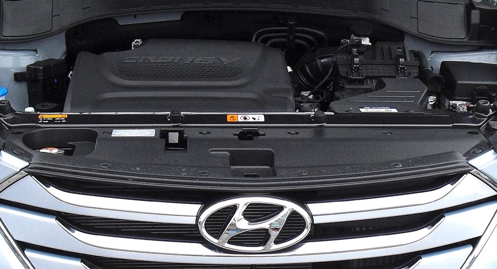 Hyundai Santa Fe: Blick unter die Haube, hier bei einem der beiden Turbodiesel.