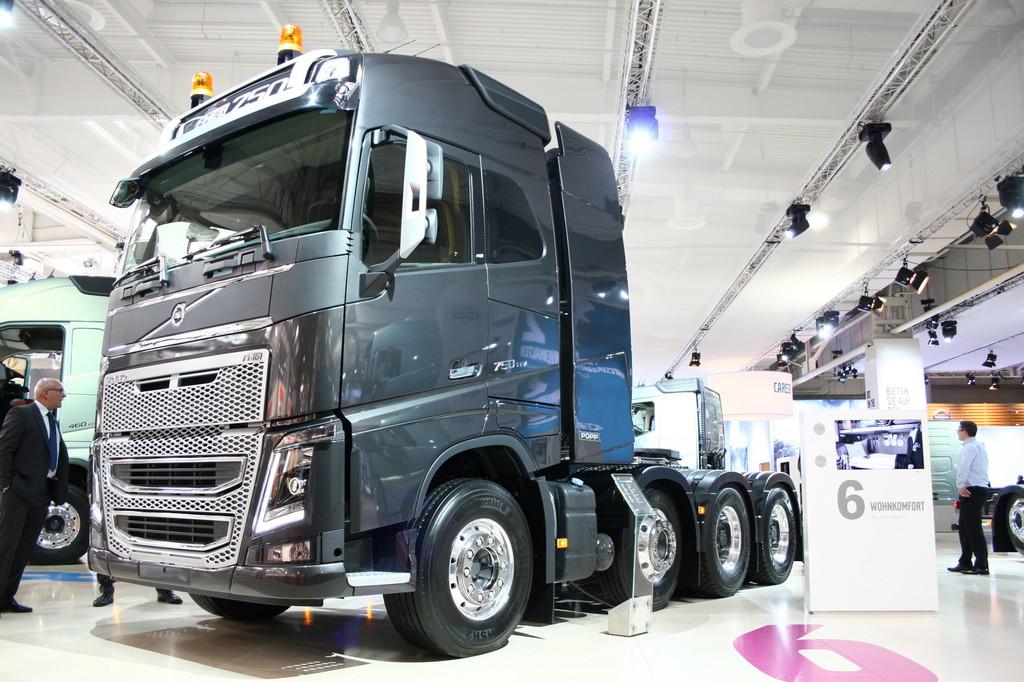 IAA Nutzfahrzeuge 2012: Volvo stellt zehn neue FH aus
