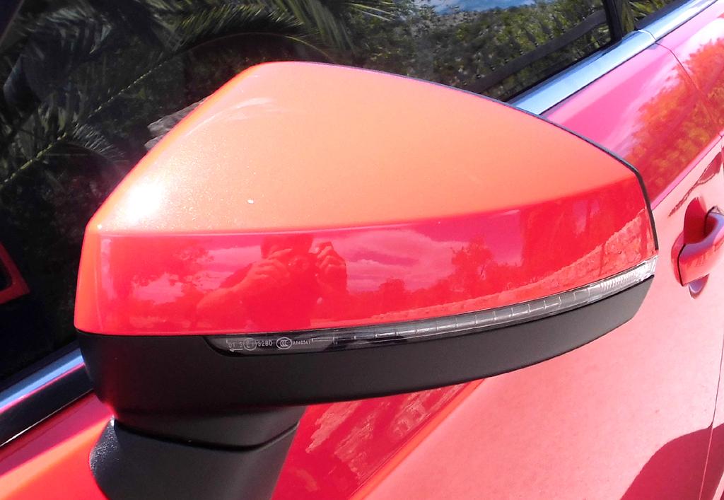 In die Außenspiegel auch bei Audis aktuellem A3 sind Blinkleisten integriert.