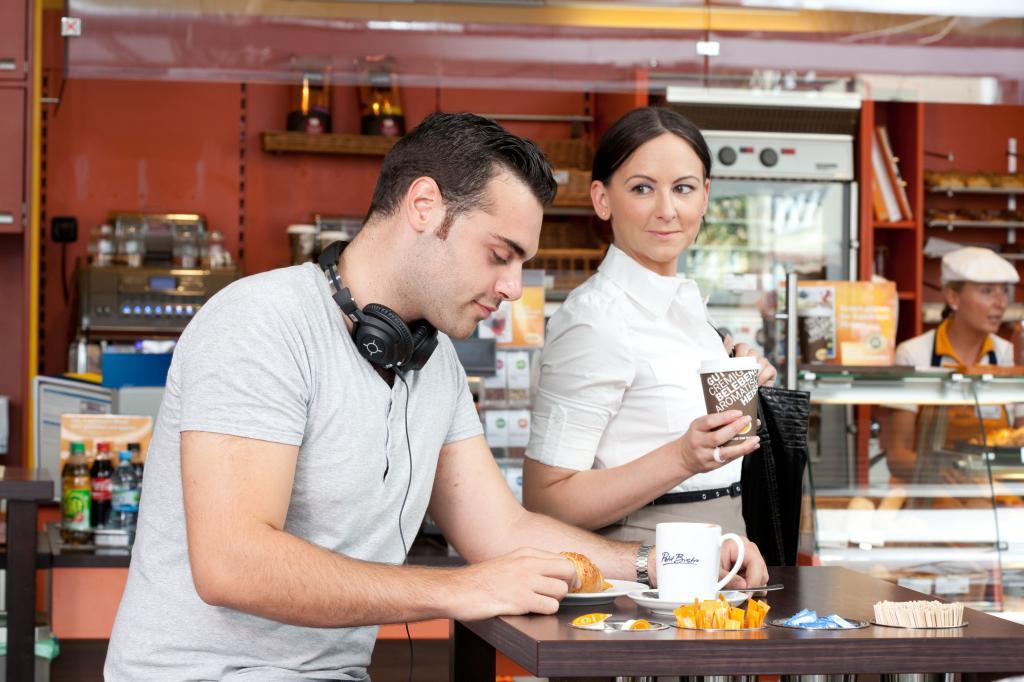 Kaffeepausen während der Autofahrt