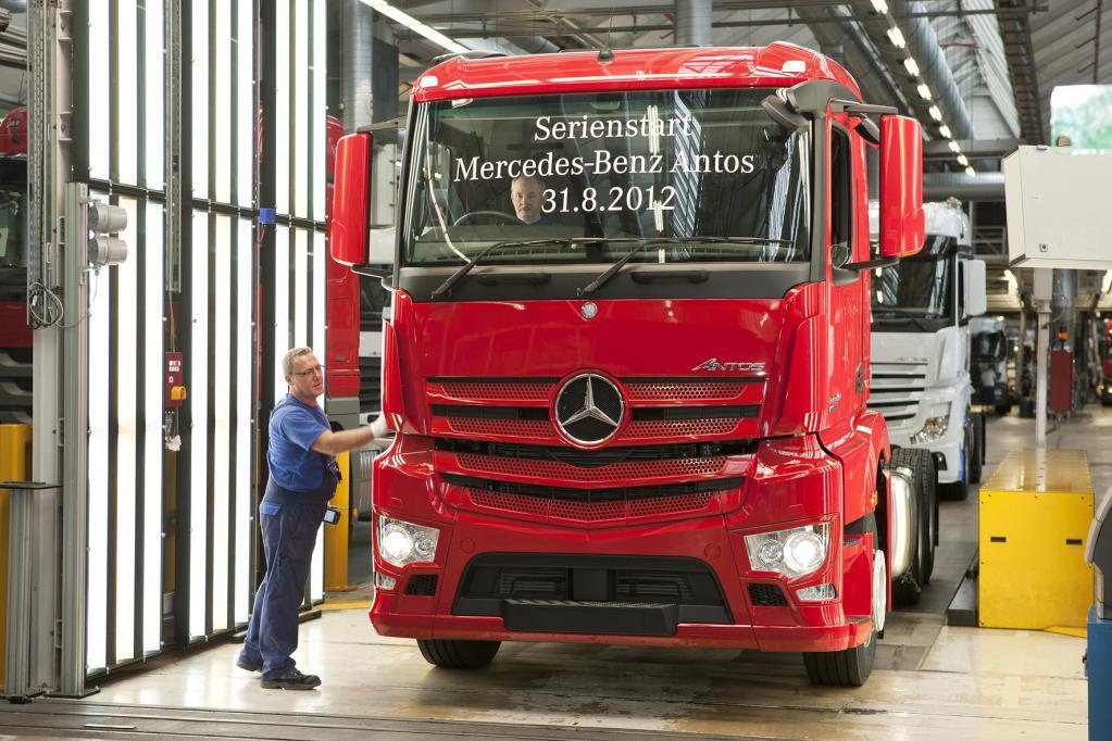 Mehr Sicherheit ab November: Tagfahrlicht auch für neue Nutzfahrzeuge ab 3,5 Tonnen