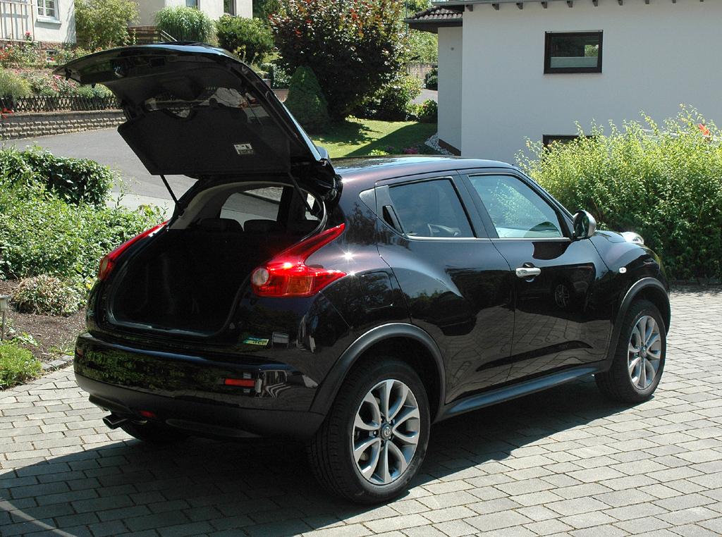 Nissan Juke: Ins Gepäckabteil passen nur 251 bis 830 Liter hinein.