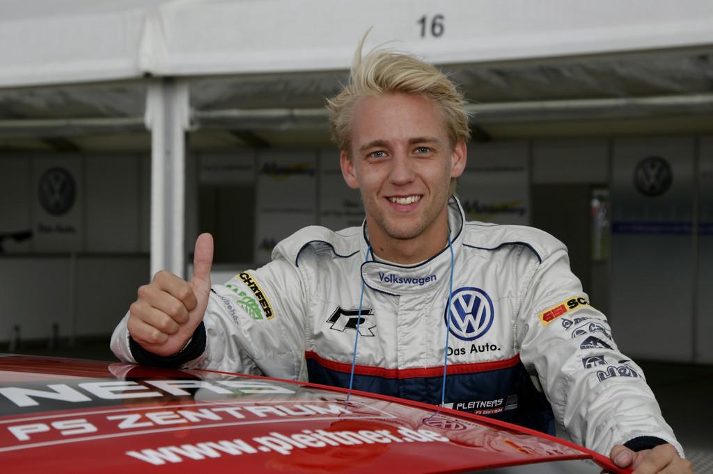 Ola Nilsson gewinnt vorzeitig den Scirocco-R-Cup