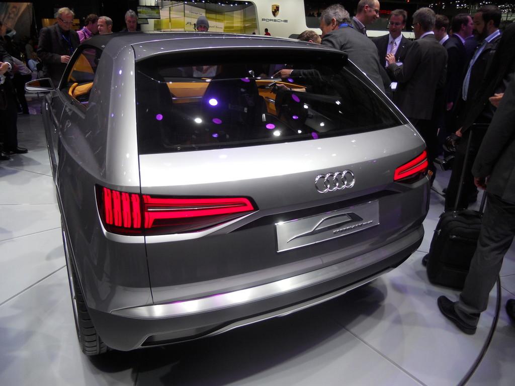 Paris 2012: Audi überrascht mit Crosslane Coupé