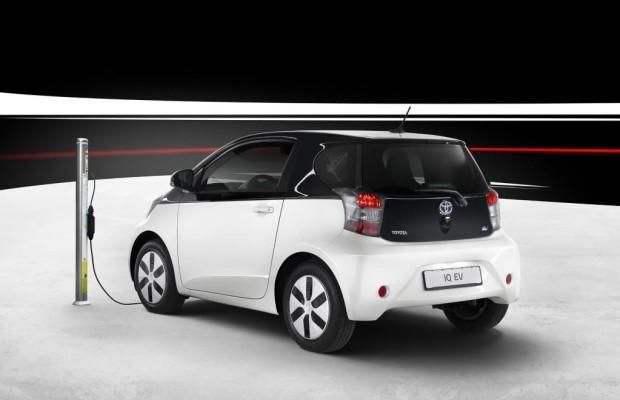 Paris 2012: Toyota bringt elektrischen Stadtflitzer iQ in Serie