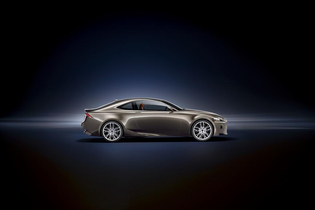 Paris 2012: Weltpremiere für Lexus LF-CC Concept