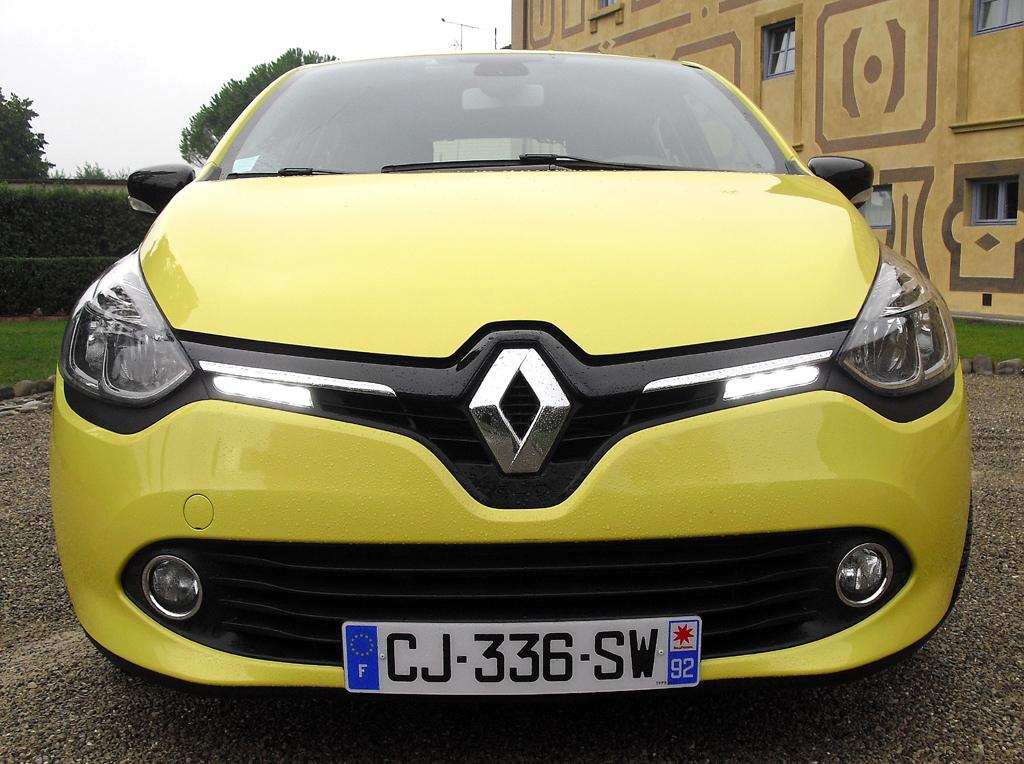 Renault Clio: Blick auf die Frontpartie ...