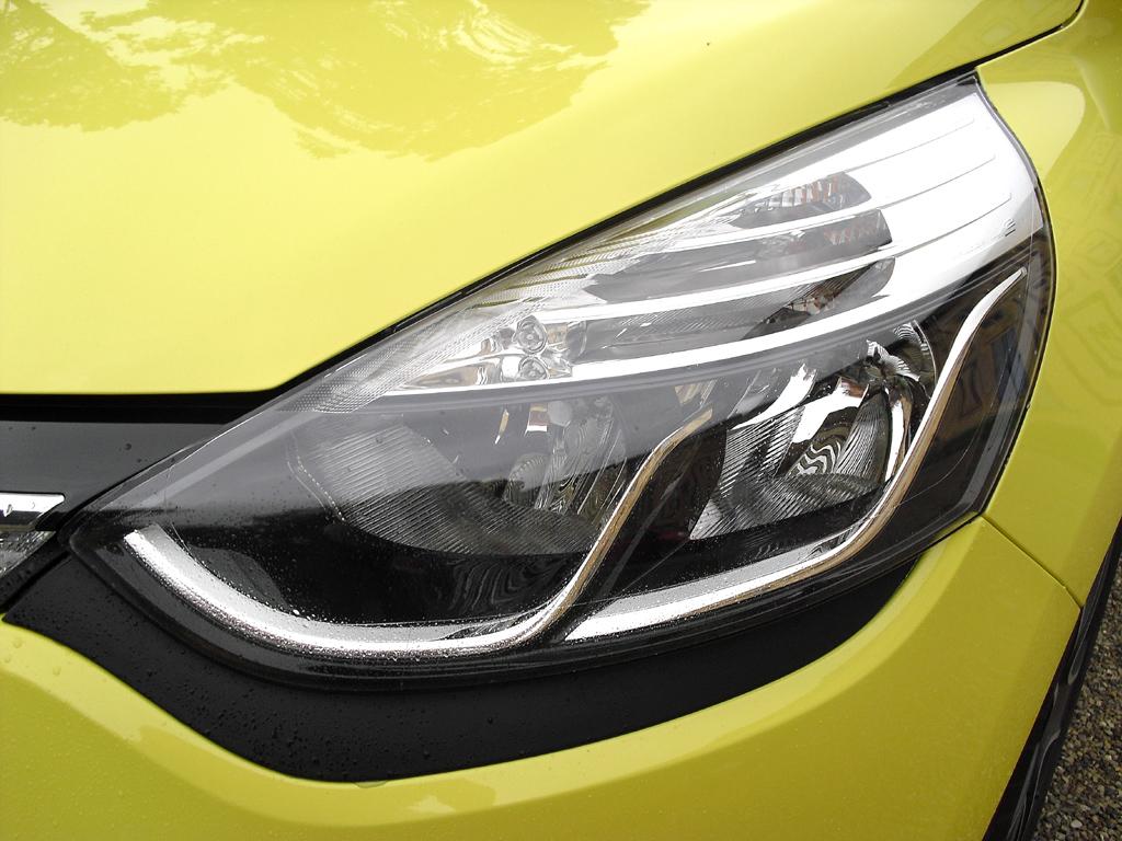 Renault Clio: Moderne Leuchteinheit vorn.