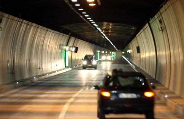 St. Gotthard-Tunnel - Herbstputz in der Röhre