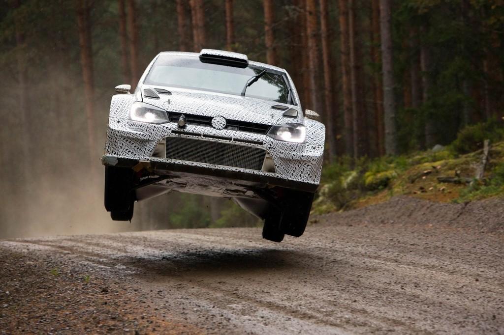 VW Polo R WRC nimmt Flugstunden in Finnland