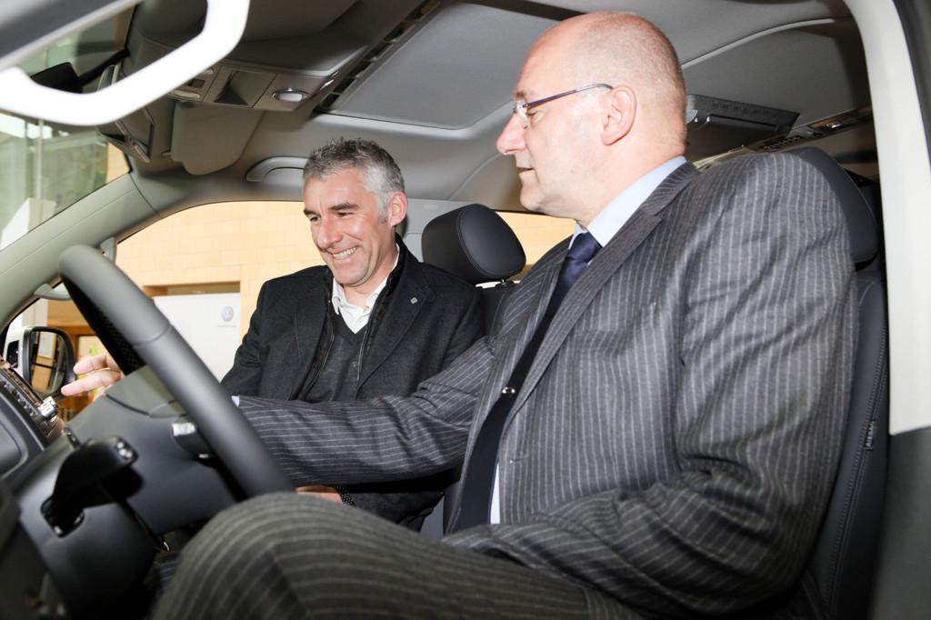 96-Chefcoach Slomka wird VWN-Markenbotschafter
