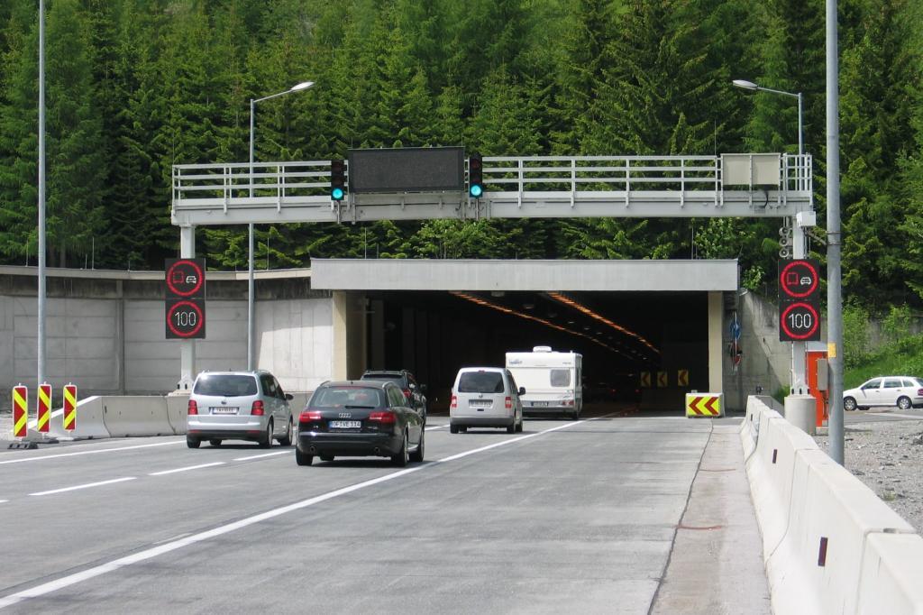 ADAC-Tunneltest - Sichere Röhren