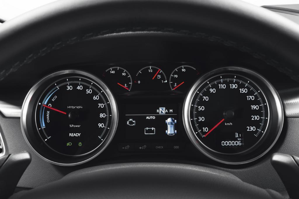 Das Fahren unter Strom und im Hybridmodus ist gewöhnungsbedürftig