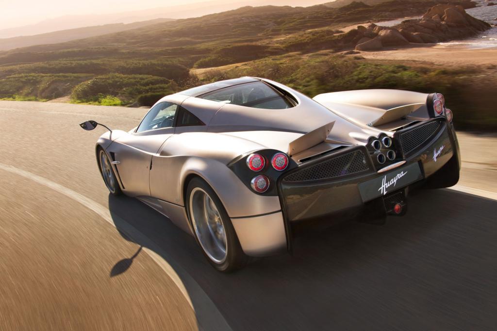 Denn kein anderer Sportwagen ist bei Design, Technik und Fahrleistungen spektakulärer als der Pagani Huayra