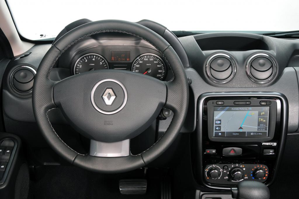 Der Blick ins Cockpit des Dacia Duster für Brasilien