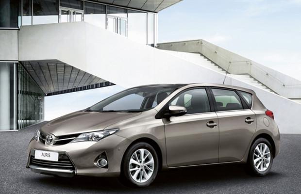 Erstmals sogar Kombi: Toyota kündigt Auris-Neuauflage für Mitte Januar an