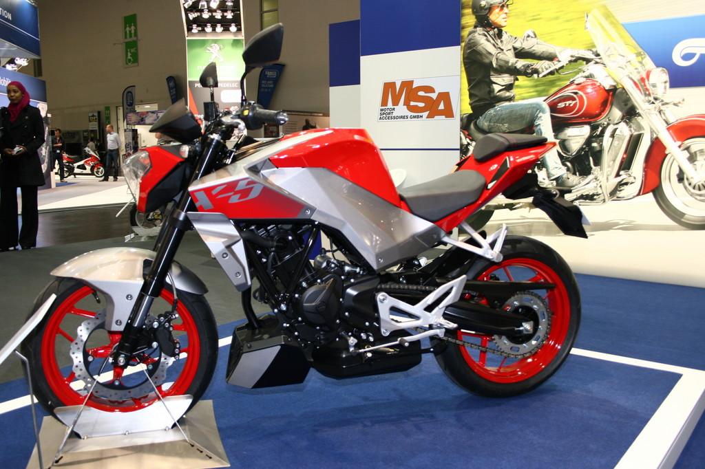 Intermot 2012: Hyosung stellt 250er-Einzylinder vor