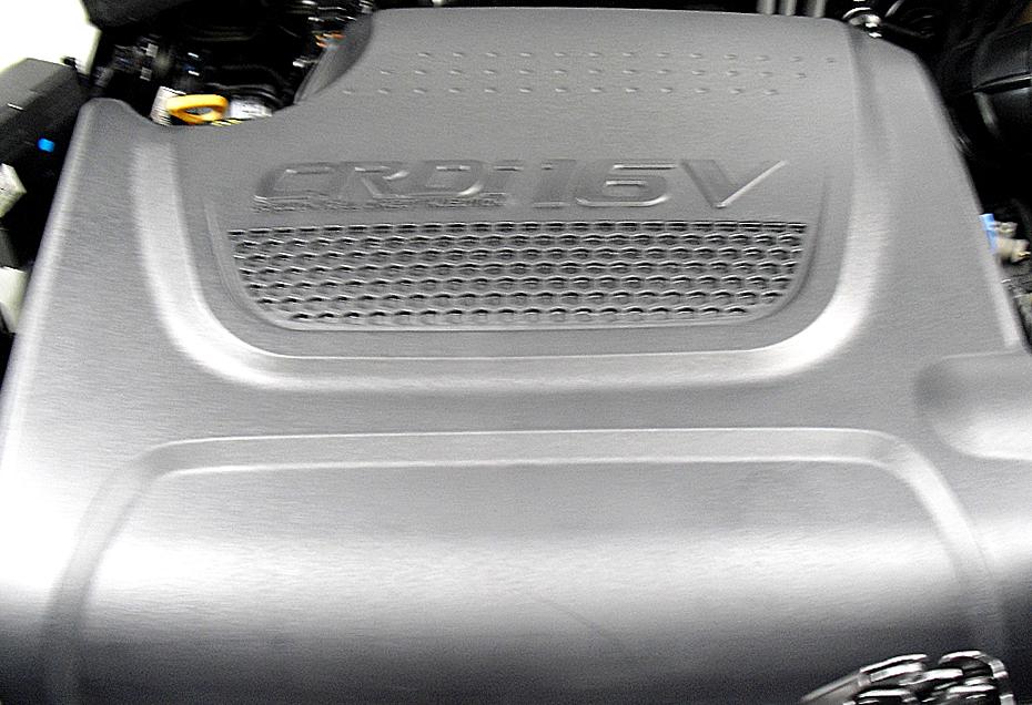 Kia Sorento: Blick unter die Haube, hier beim Turbodiesel.