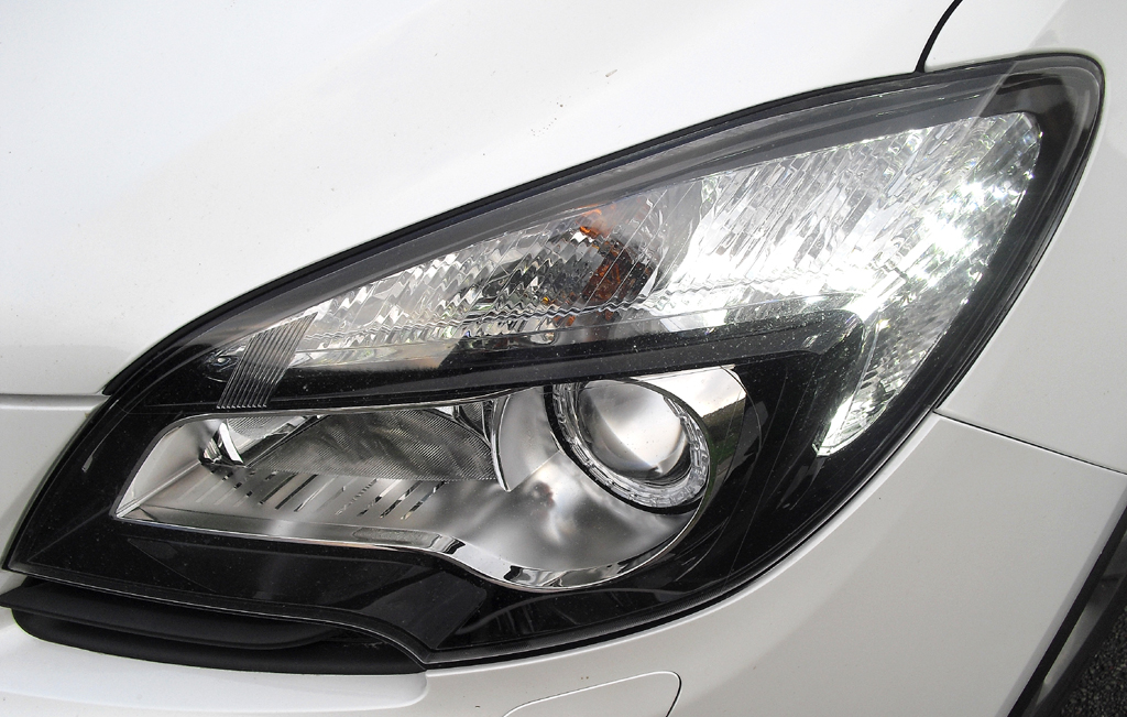 Opel Mokka: Moderne Leuchteinheit vorn.