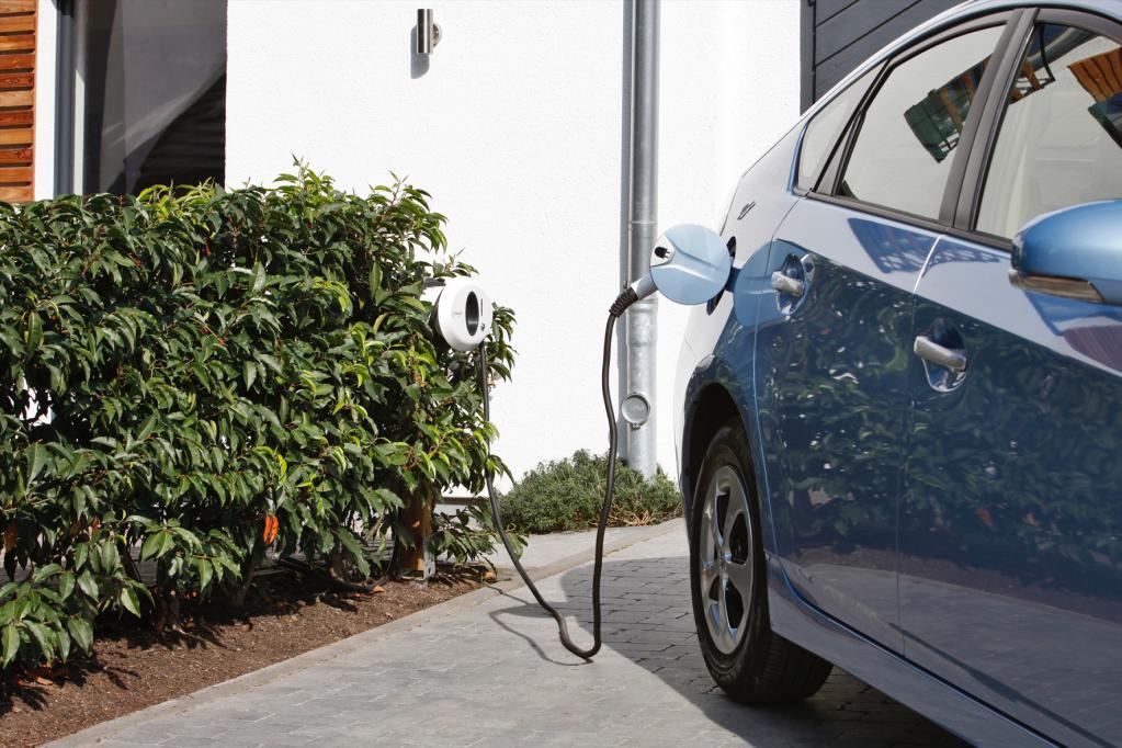 Plug-in-Hybrid-Pkw: Der Anschluss muss passen