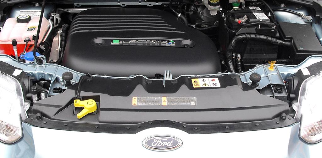 So sieht es unter der Haube des Ford-Stromers aus.